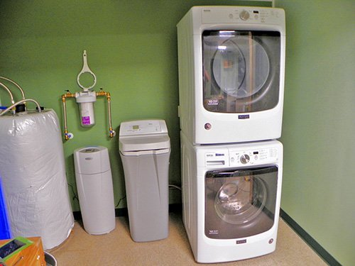 Sevierville animal clinic laundry.